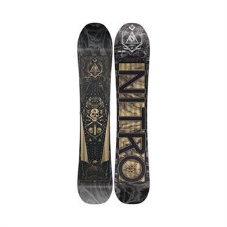 Nitro M's Magnum snowboard